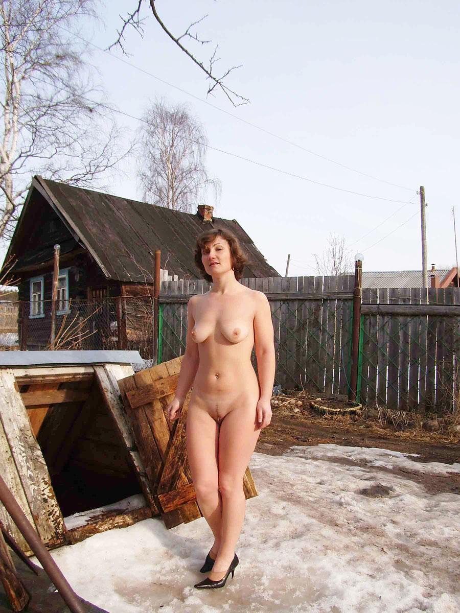 Частные деревенские голые фото