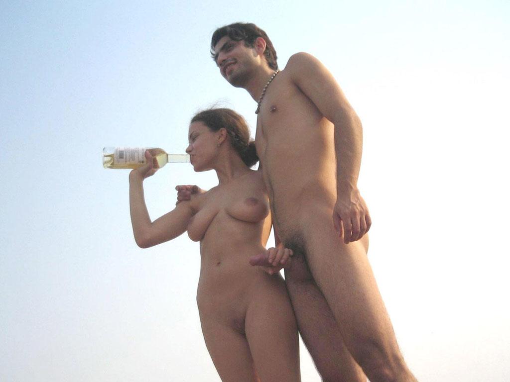 картинки голых девушек и парней